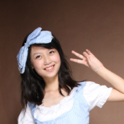 Zhan waving