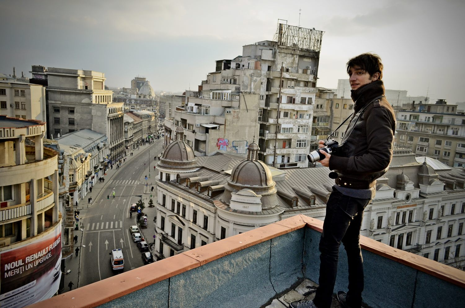 Urban Explorer Captures the Beauty of Bucharest