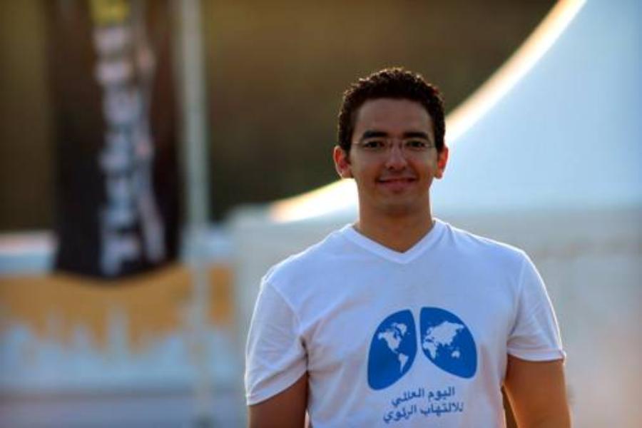 Mohamed Zaazoue teaches Egyptian children how to prevent disease