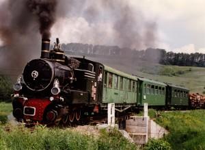 764-155 intre Benesti si Altina in 9 iunie 1995 cu un tren turistic - Jim  Ballantyne