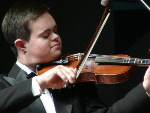 Emmanuel Bishop: The Teenage Violinist with Down Syndrome