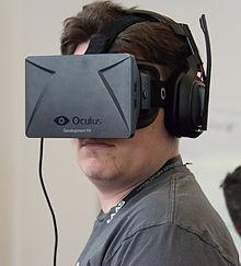 Palmer_Luckey_wearing_Oculus_Rift_DK1_at_SVVR_2014