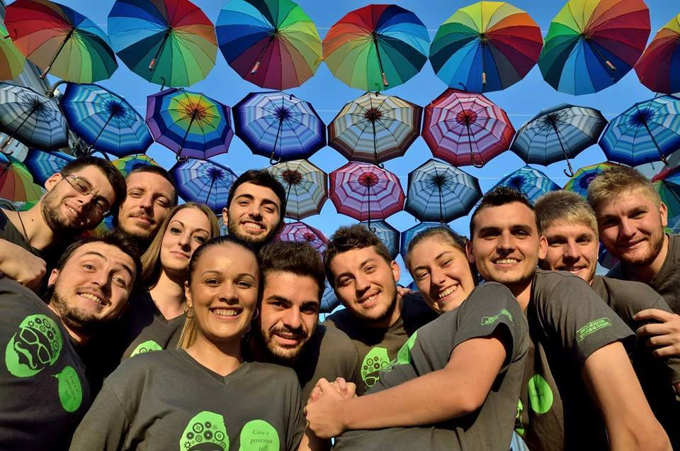 ZigZag through Romania – Fourteen young people traveling their country in four years